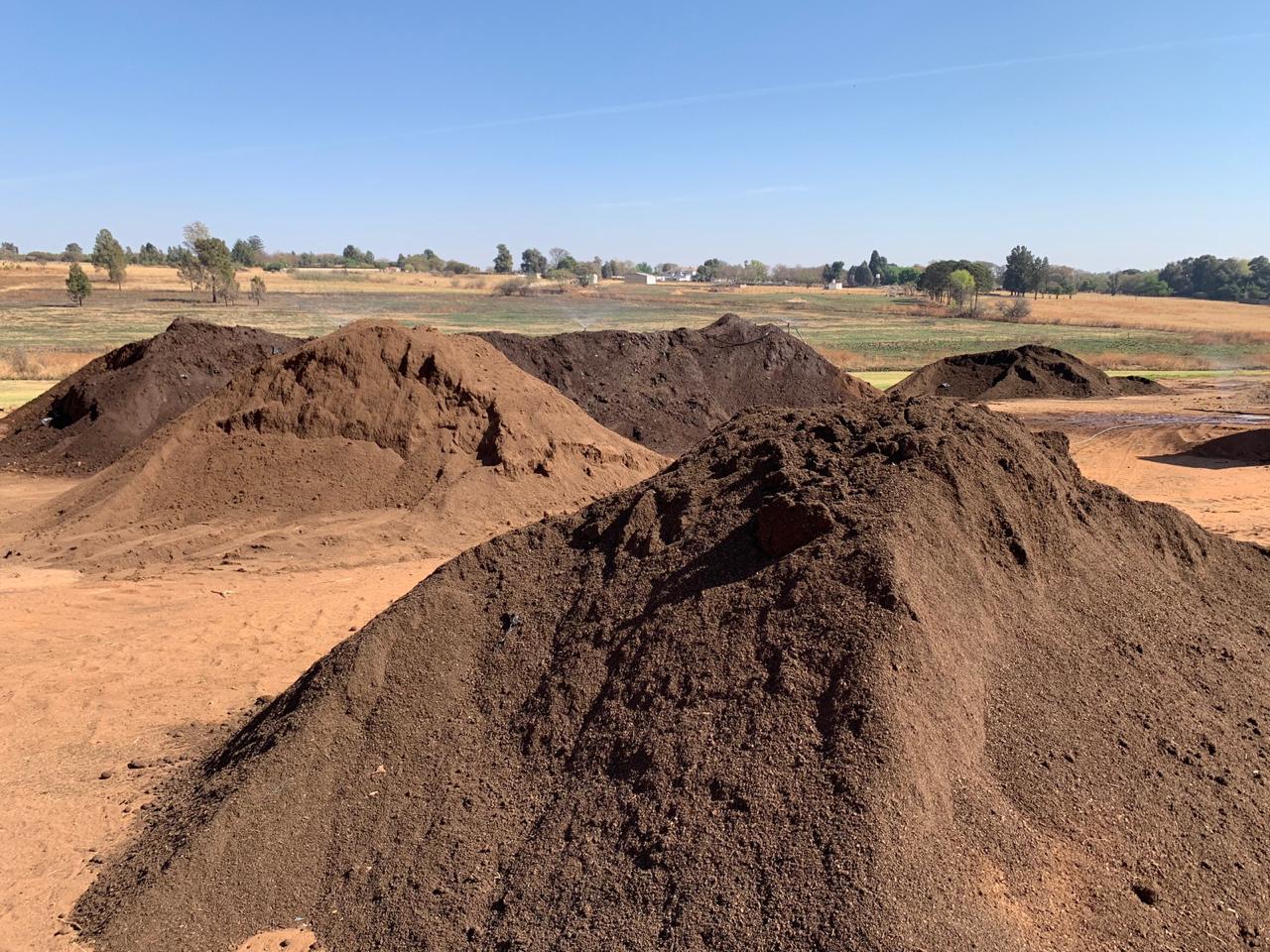 https://ecoturf.co.za/wp-content/uploads/2020/10/EcoTurf-compost.jpg